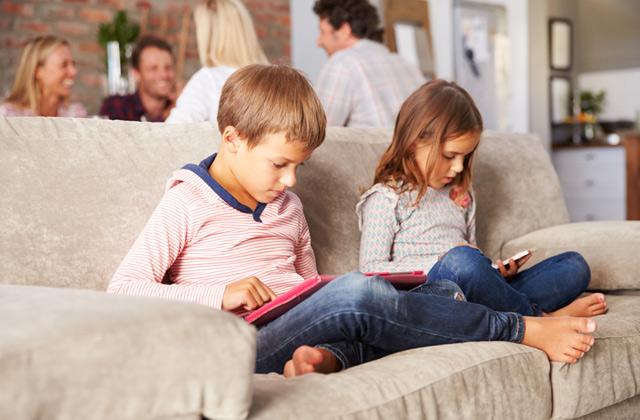 مراقبت از فرزندان خود در فضای سایبری با کسپرسکی سیف کیدز
